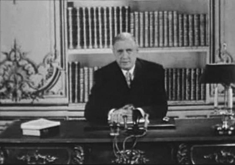 ... Et de Gaulle créa la Cinquième
